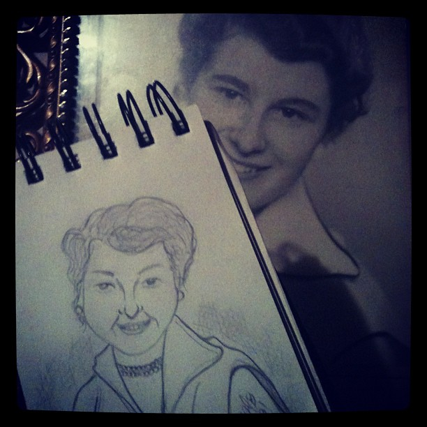 After dinner I did a quick sketch of my mother. Photo from when she was either in her late teens or early twenties.